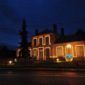 Découvrez la Mairie de Cravant la nuit